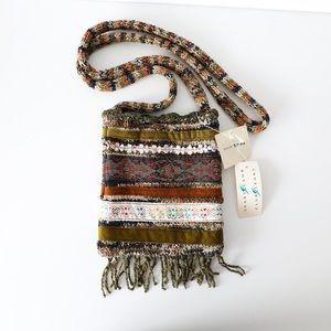 Vintage boho crossbody fringe tapestry knit bag